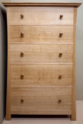 Front of oak chest of drawers